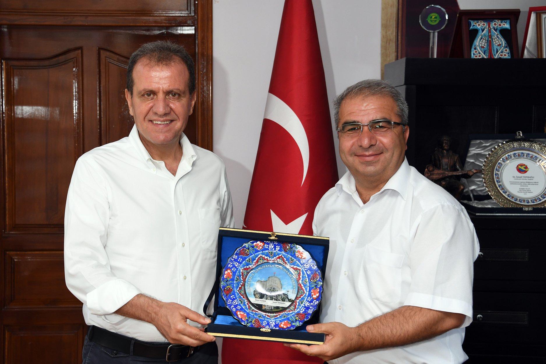 Çamlıyayla Belediye Başkanı Tepebağlı'nın eşide Covid'e yakalandı