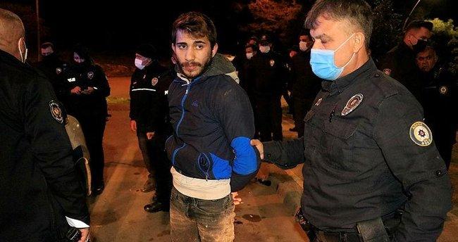 Maske takmayan 2 kişi, kimlik soran polislere taşla saldırdı