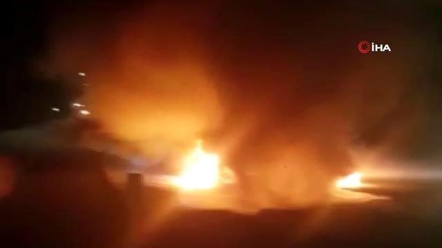 Tarsus'ta oto yolda araç yandı